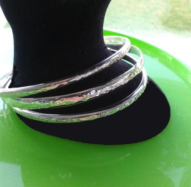 bangles 2 green hand